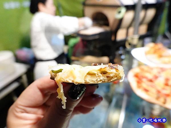 鮮菇蘆筍披薩-水果兔窯烤披薩饒河店  (3).jpg