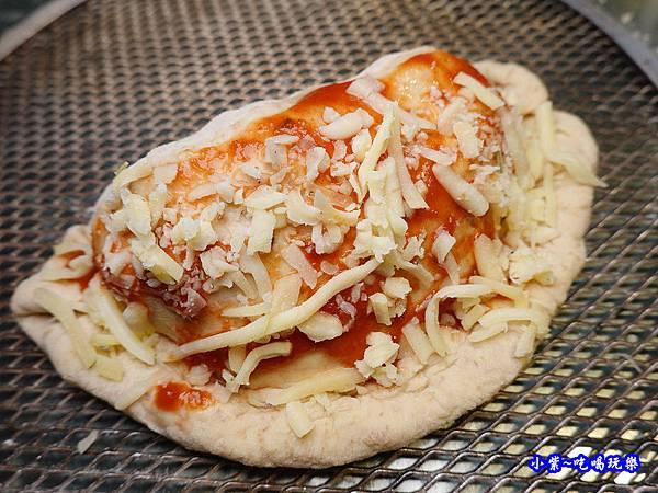 雙拼披薩餃-水果兔窯烤披薩饒河店   (1).jpg