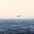 近距離看飛機-海灣星空景觀咖啡館  (1).jpg