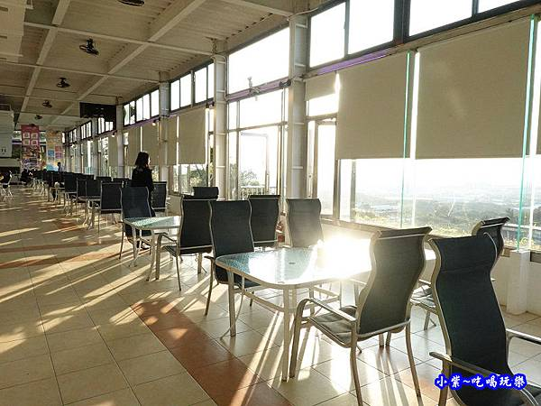 室內用餐區-海灣星空景觀咖啡館  (2).jpg