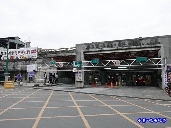 集集國小地下停車場 (2).jpg
