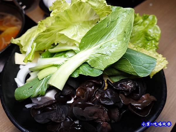 菜盤-本燔野菜農場 (2).jpg