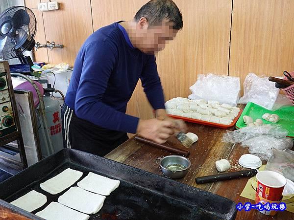 花蓮玉里-新興街燒餅店 (8).jpg