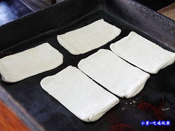 花蓮玉里-新興街燒餅店 (9).jpg