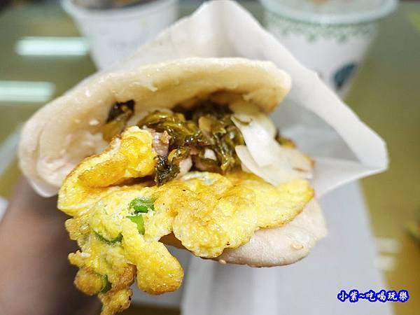 鹽蔥燒豬-新興街燒餅店 (3).jpg