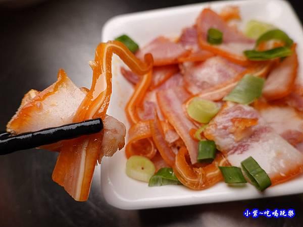 煙燻豬頭皮-神仙牛肉麵 (1).jpg