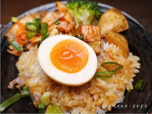 泡菜豬燒肉丼-大河屋燒肉丼串燒南崁店 (1).jpg