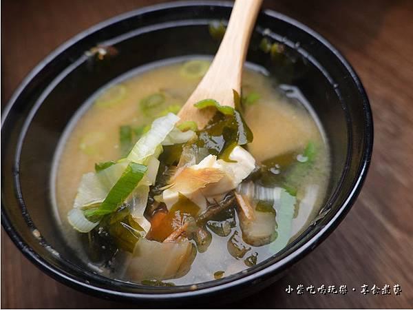 料多日式味噌湯-大河屋燒肉丼串燒南崁店 (2).jpg