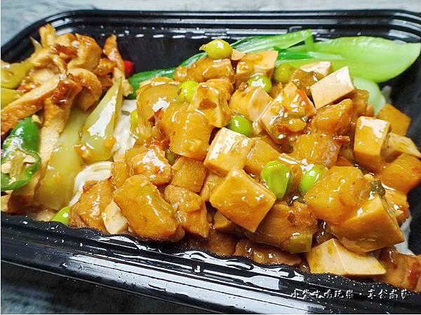 八寶辣醬餐盒-上海鄉村 (8).jpg