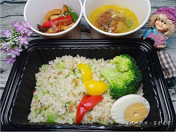 蟹黃獅子頭餐盒-上海鄉村 (2).jpg
