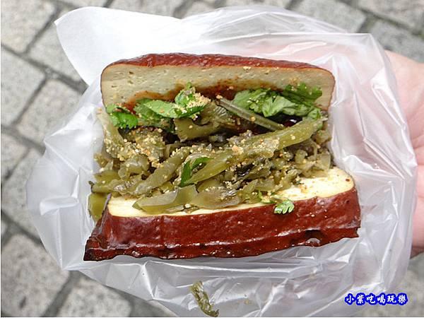酸菜豆腐包-湖口老街美食6.jpg