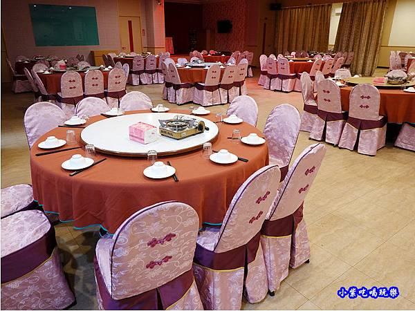二樓用餐區-珍寶燒肥鵝餐廳 (1).jpg