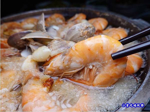 陶板蒜茸蝦-珍寶燒肥鵝餐廳 (5).jpg