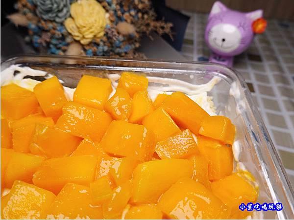 芒芒人海-芒果奶酪蛋糕-蛋金固古早味蛋糕 (7).jpg