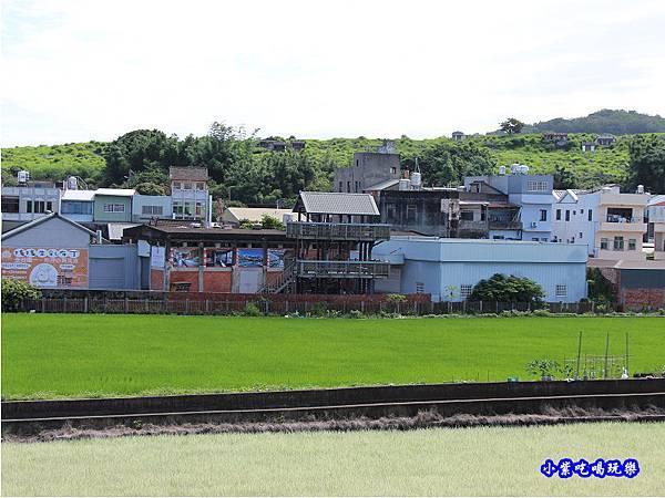 以前的苑裡彩繪稻田觀景台.jpg