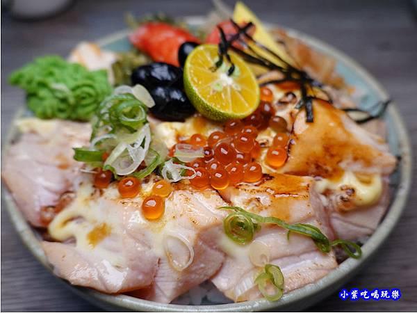 炙燒鮭魚丼-紳爺食堂.jpg