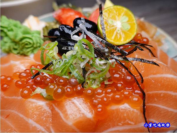 鮭魚親子丼-紳爺食堂 (4).jpg
