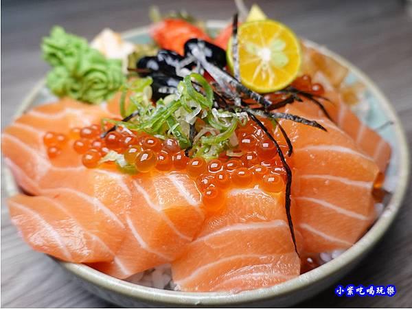 鮭魚親子丼-紳爺食堂 (3).jpg