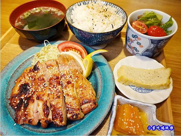 雞腿西京燒定食-坐著做員工食堂  (4).jpg