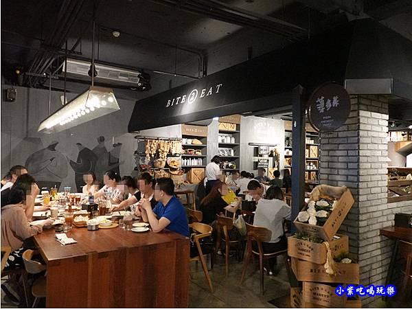 一樓用餐環境-薄多義桃園店 (4).jpg