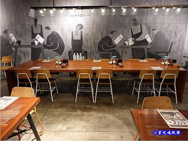 二樓用餐環境-薄多義桃園店 (5).jpg