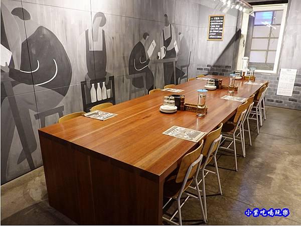 二樓用餐環境-薄多義桃園店 (6).jpg