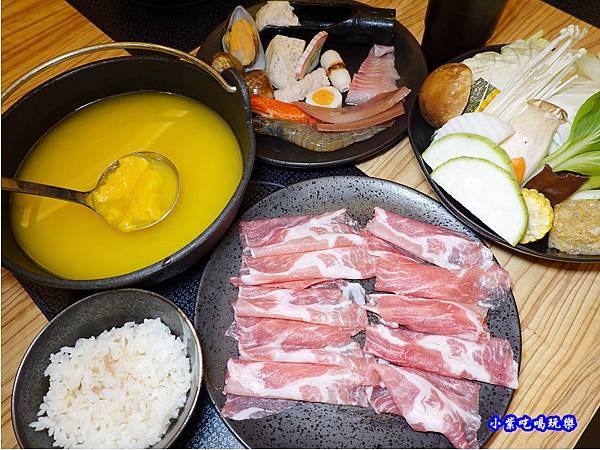 南瓜梅花豬肉鍋-苑裡米多岦餐廳.jpg