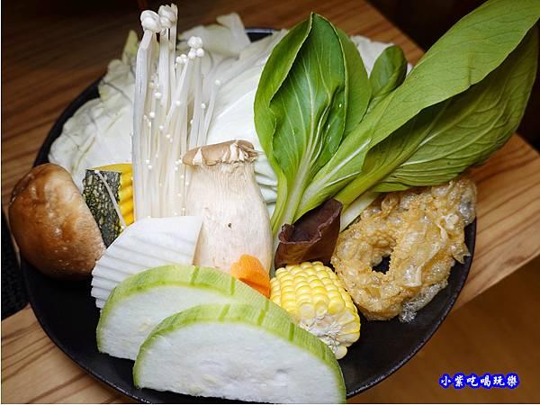 梅花豬肉鍋-苑裡米多岦餐廳 (1).jpg