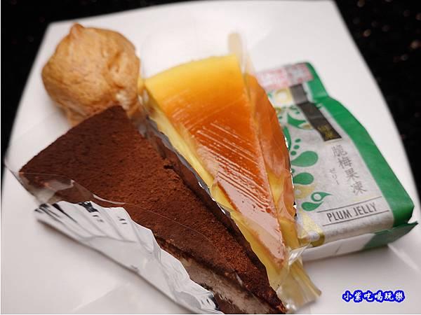 甜點-小蒙牛頂級麻辣養生鍋中壢店  (1).jpg