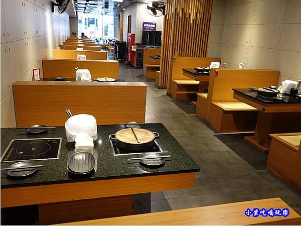 用餐環境-金大鋤壽喜燒府中店(吃到飽) (1).jpg
