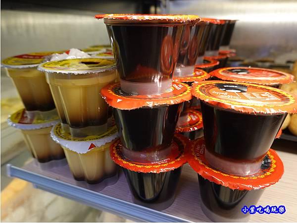 甜點-金大鋤壽喜燒府中店(吃到飽) (2).jpg