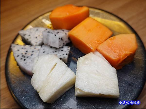 水果-赤富士無煙燒肉鍋物吃到飽.jpg