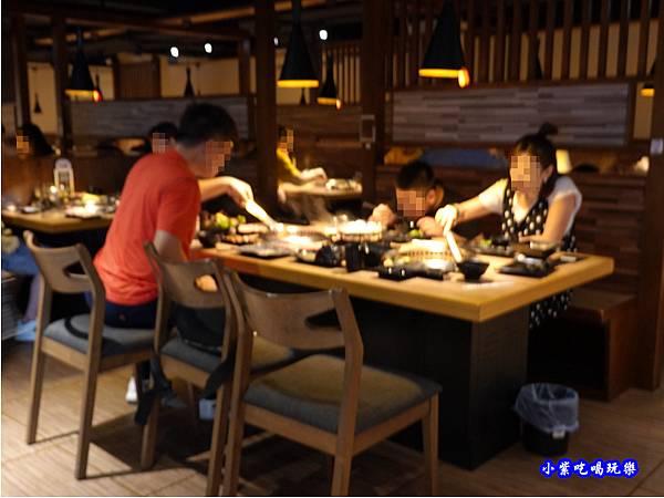 用餐環境-赤富士無煙燒肉鍋物吃到飽 (9).jpg