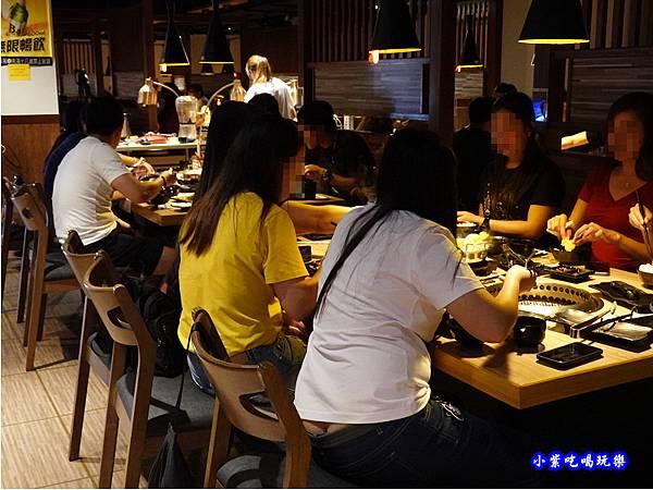 用餐環境-赤富士無煙燒肉鍋物吃到飽 (11).jpg
