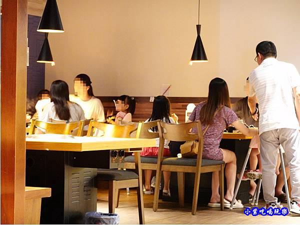 用餐環境-赤富士無煙燒肉鍋物吃到飽 (13).jpg