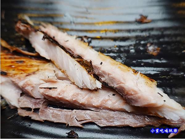 竹筴魚一夜干-赤富士無煙燒肉鍋物吃到飽 (2).jpg