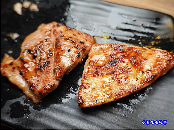 西班牙黃金豬排-赤富士無煙燒肉鍋物吃到飽 (1).jpg