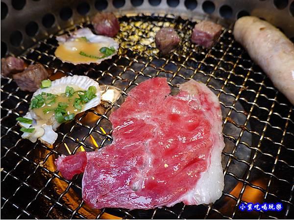 泡菜嫩肩牛肉捲-赤富士無煙燒肉鍋物吃到飽 (3).jpg