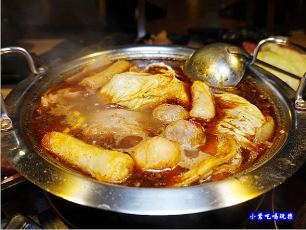 泡菜鍋-赤富士無煙燒肉鍋物吃到飽  (2).jpg