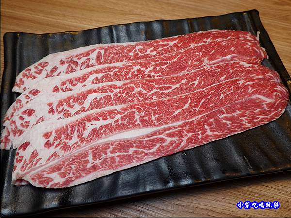 美國牛小排-赤富士無煙燒肉鍋物吃到飽 (2).jpg