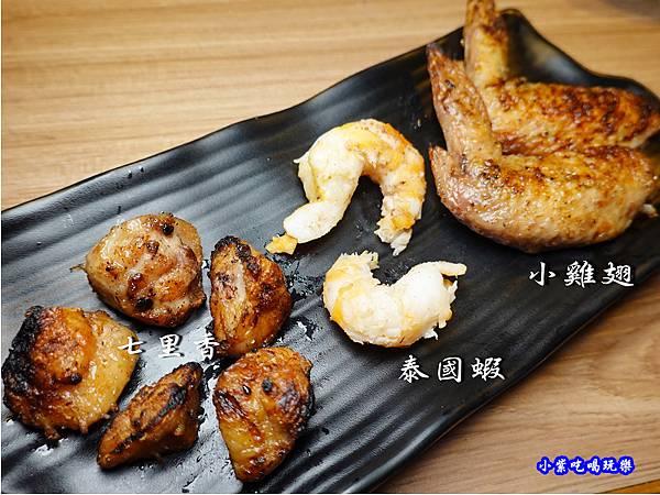 桃園-赤富士無煙燒肉鍋物吃到飽  (1).jpg