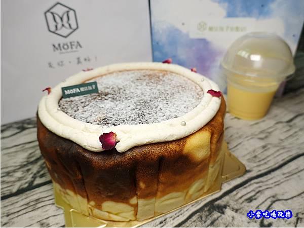 魔法氛子-芋頭千層生日蛋糕 (10).jpg