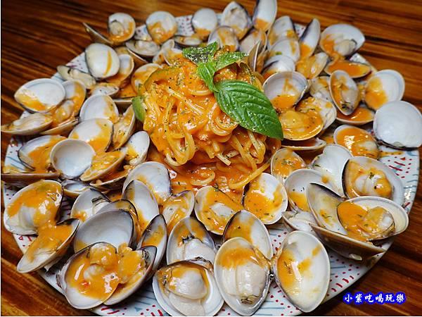 橘橘大爆炸蛤蜊麵-歐義式義大利餐廳 (1).jpg