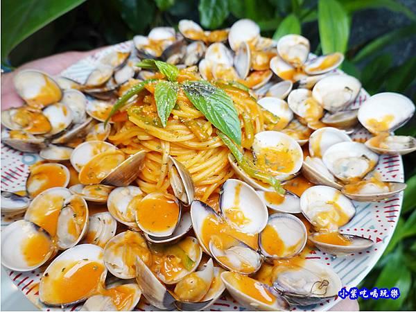 橘橘大爆炸蛤蜊麵-歐義式義大利餐廳 (2).jpg