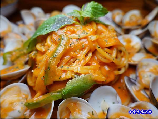 橘橘大爆炸蛤蜊麵-歐義式義大利餐廳 (4).jpg
