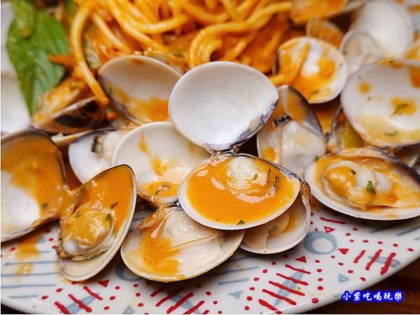 橘橘大爆炸蛤蜊麵-歐義式義大利餐廳 (6).jpg