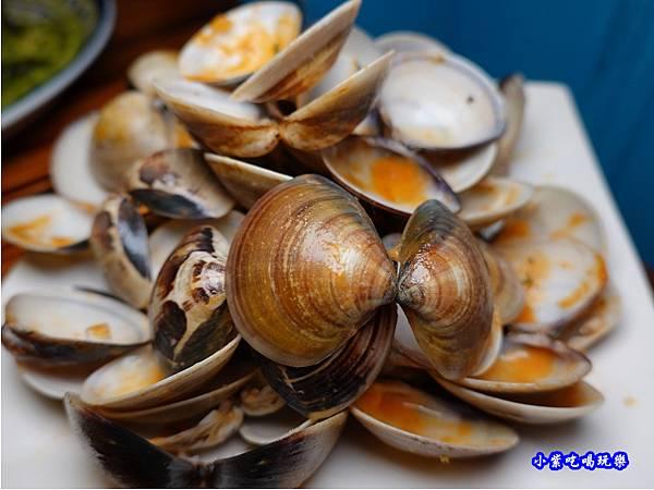 橘橘大爆炸蛤蜊麵-歐義式義大利餐廳 (7).jpg