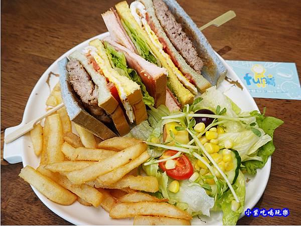 fun膽吃一口彩虹-fun晴輕食餐廳 (1).jpg
