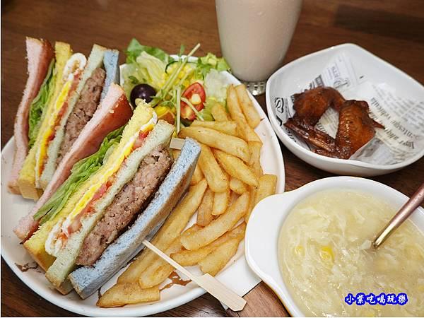 fun膽吃一口彩虹套餐-fun晴輕食餐廳  (1).jpg