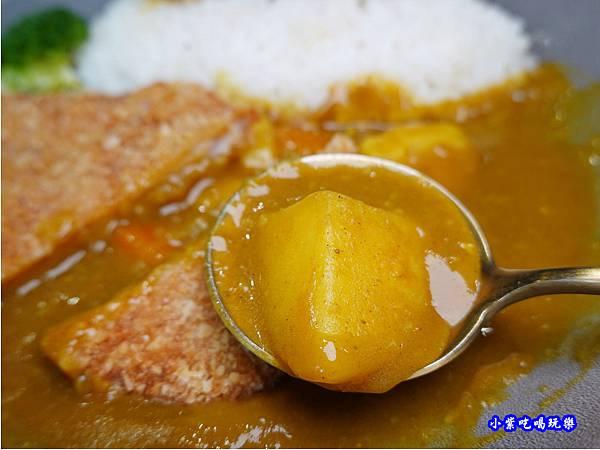 日式炸豬排咖哩飯-fun晴輕食餐廳 (4).jpg